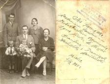 [Portret niezidentyfikowanej rodziny] (2)