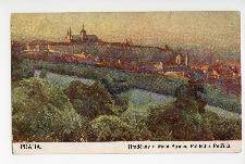 Praha. Hradcany a Mala Strana. Pohled z Petrina.